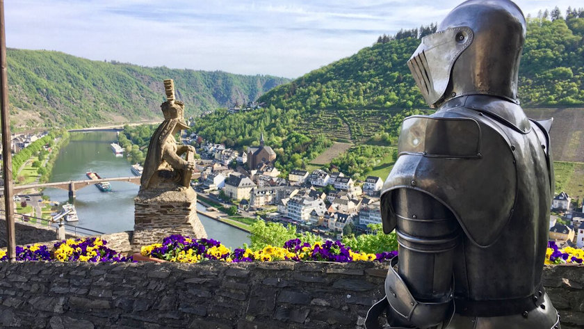 Reichsburg Castle knight